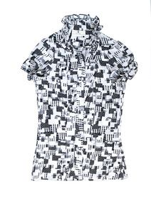 """""""Equitable à porter"""" wearable fair-trade is our motto. When shopping at Petit Pagne, you not only support african-based company, you help training too Fashion Editor, Ruffles, Men Casual, Black And White, Chic, Blouse, Mens Tops, Shirts, Shopping"""