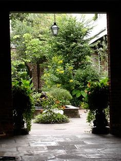 A private courtyard garden - French Quarter