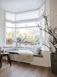 Tremendous 60 Best Beautiful Bay Windows Images In 2019 Home Room Machost Co Dining Chair Design Ideas Machostcouk