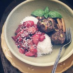 "@hollypostler: ""sage cranberry & green garlic meatballs - jasmine rice - scarlet turnip kohlrabi and strawberry sesame balsamic sauce - balsamic-sesame soaked kohlrabi - basil  beef is #grassfed and finished from Providence Cattle - turnips and kohlrabi are from @sweetwater_organic_farm - sage from @urbanoasisfarm - strawberries from wise farm - green garlic from freedom house farm - basil is #homegrown #glutenfree #glutenfrei #dairyfree #organic #farmfresh #farmtofork #farmtoplate…"