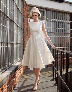 Audrey Hepburn wedding dress   Tobi Hannah