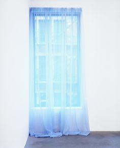 """mentaltimetraveller: Felix Gonzalez Torres, Untitled"""" (Loverboy), 1989."""