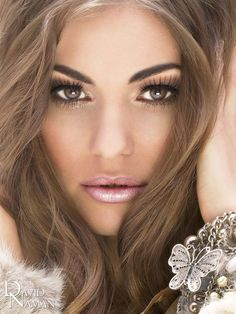 Love this golden, bronzy eye look and frosted pink lip! Perfect for summer! wedding make up.. pretty and natural