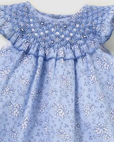 Smocked Baby Clothes, Girls Smocked Dresses, Girls Dresses Sewing, Frocks For Girls, Little Dresses, Little Girl Dresses, Smocking Patterns, Baby Dress Patterns, Baby Dress Design