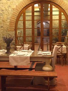 The Timeless Flooring Everywhere in Italy - Maria Killam - The True Colour Expert Slate Flooring, Hardwood Floors, Marble Staircase, Villas In Italy, Red Floor, Kitchen Floors, Floor Colors, Terra Cotta, Design Consultant