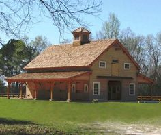 A perfect barn to restore furniture and to house a workshop...