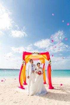 T&A♥2016.12.24 / BEACH CEREMONY × PHOTO 沖縄から南西約300KMの離島「宮古島」でのリゾートウエディング。  この透き通る美しい海を舞台にしたビーチウエディングが大人気!  ハワイやグアムなどに行かなくても、パスポートなしで満喫できちゃう国内リゾートウエディング❕❕ ビーチでの挙式は一生心に残る素晴らしい想い出になることでしょう。   #OKINAWA#MIYAKOJIMA#MIYAKOISLAND#RESORT WEDDING#BEACH WEDDING#KOUNOTORI WEDDING#PHOTO WEDDING#沖縄#宮古島#リゾートウエディング#沖縄リゾートウエディング#宮古島リゾートウエディング#国内リゾートウエディング#ハワイウエディング#グアムウエディング#フォトウエディング#ウエディングフォト#結婚式写真#ビーチ挙式#ビーチセレモニー#アットホームウエディング#家族#ガゼボ#ウエディングガゼボ#ガゼボ 結婚式##オーダーメイドウエディング#幸の鳥ウエディング#コウノトリウエディング