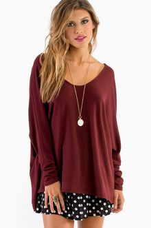 CLOSE FOR COMFORT TOP - Burgundy