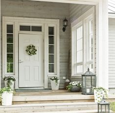 I need to add a transom to my front door. I think I finally found the color I'm going to paint my front door. Best Front Doors, American Houses, Front Door Design, House Doors, White Doors, Entrance Doors, Beautiful Interiors, Porch Decorating, Building Design