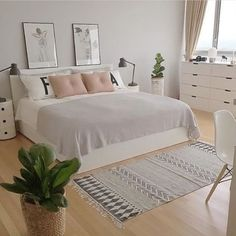 minimalist bedroom ideas for small rooms - Do not let limited space hinder you from getting a minimalist bedroom that you have been longing for. Diy Bedroom Ideas For Small Rooms Simple Bedroom Decor, Stylish Bedroom, Small Room Bedroom, Cozy Bedroom, Home Decor Bedroom, Modern Bedroom, Romantic Bedrooms, Girls Bedroom, Summer Bedroom