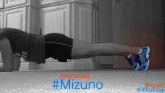 Run done? Now, drop and give us a #plankaday @Mizuno Running #fitfluential #fitgear