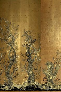 Golden Oriole ~ Discover wallpaper ideas on HOUSE - design, food and travel by House & Garden - including these Dutch gold-leaf wallpaper panels from Timorous Beasties. Tapete Gold, Wallpaper Panels, Gold Effect Wallpaper, Timorous Beasties, Chinoiserie Wallpaper, Designer Wallpaper, Wallpaper Designs, Wallpaper Ideas, Wall Treatments