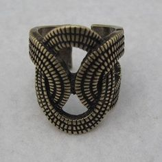 this bracelet kind of looks like its made from tiny tire treads or ammunition belts Hair Barrettes, Hair Clips, Wasteland Weekend, Tire Tread, Belts, Hair Accessories, Fantasy, Costumes, My Style
