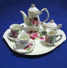 10 Pc Set Miniature Pink Roses Tea Set Incl Teapot,Sugar,Creamer,2 Cups/Saucers