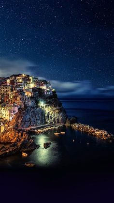 RT @Yellow__Jane: Night Time in Italy ^_^
