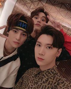 Lucas weibo update Yangyang Ten Lucas WayV x Fendy Winwin, Nct 127, Yang Yang, Extended Play, Taeyong, Jaehyun, Story Instagram, Instagram Posts, Bff