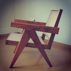 Grains that tell a story! Our Pierre Jeanneret Easy chair is made from the finest Burma Teak! #pierrejeanneret #lecorbusier #chairporn #projectchandigarh