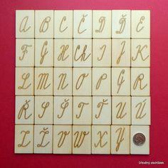 Kartičky s psanou velkou abecedou s diakritikou