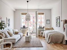 Small studio space in a warm color palette - COCO LAPINE DESIGNCOCO LAPINE DESIGN