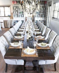 Artful Homestead HGTV Dream Home Beautiful Home Tour Dining Room Table Artful beautiful Dream hgtv home homestead Tour Dinning Room Tables, Dining Nook, Dining Room Furniture, Luxury Dining Room, Dining Room Design, Dinner Room, Dinner Table, Hgtv Dream Homes, Small Dining Area