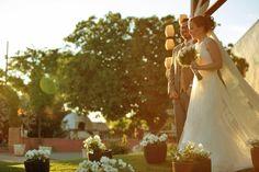 Quer uma super dica de como escolher as fotos do seu casamento? Siga as dicas do diagramador @yuricesardiagramacao em nosso blog: http://www.hevelyngontijo.com.br/esolher_fotos_do_casamento/  #casamento #escolhendofotos #albumdecasamento #tonoiva #voucasar #noivei #compartilheafelicidade #casamento #fotografodecasamento #fotodecasamento #querocasar #wedding #noiva #bride #bridedress #casamentoaoarlivre #pordosol #sunset #dicasparacasamento #ideiasparacasamento #weddingideas