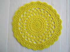 I've never finished one before. I did start one or two some time ago, but then I didn't experience crocheting doilies as fun. Crochet Diagram, Crochet Motif, Crochet Doilies, Crochet Home, Love Crochet, Diy Crochet, Crochet Potholders, Crochet Cushions, Doily Patterns