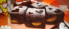 Recept Famózní meruňkový perník Pavlova, Sweet Recipes, Food And Drink, Treats, Cheesecake, Desserts, Cakes, Cooking Recipes, Sweet Like Candy