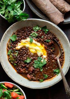 Wild Greens and Sardines : Ethiopian-Spiced Black Lentils Lentil Recipes, Bean Recipes, Vegetarian Recipes, Cooking Recipes, Healthy Recipes, Salad Recipes, Ethopian Food, Ethiopian Cuisine, Ethiopian Lentils