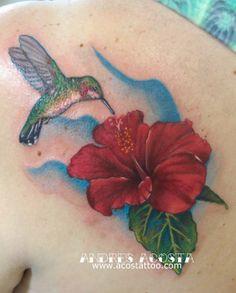 -Andrés Acosta: Hummingbird & Hibiscus Tattoo