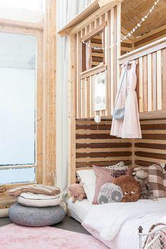 Emeletes gyerekszobai ágy