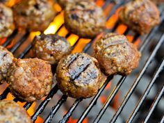 Barbecue Meatballs -- figure out good BBQ sauce that's gluten free Barbecue Meatball Recipes, Grilling Recipes, Beef Recipes, Recipies, Beef Meals, Tailgating Recipes, Beef And Pork Meatballs, Souvlaki Recipe, Great Recipes