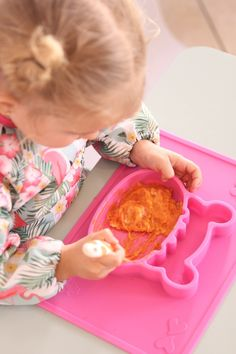 Grippo 2-in-1 Silicone Placemat and Plate in Pink Messy Play, Baby Led Weaning, Baby Safe, Group Meals, Baby Online, Happy Baby, Free Baby Stuff, Happy Family, Placemat