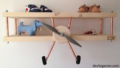 kinderkamer-blank-hout-vliegtuig-wandplank-voorkant - devliegenier.com