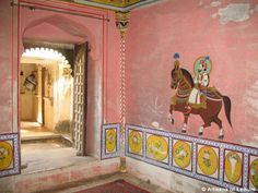 Juna-Mahal-luxury-India-tours-art-7-500x375.jpg (500×375)