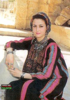 Gaza traditional dress http://www.zarinas.com/                                                                                                                                                                                 More