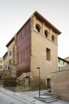 Image 19 of 29 from gallery of Refurbishment of the West Tower in Huesca City Hall / ACXT. Ancient Buildings, Modern Buildings, Facade Architecture, Amazing Architecture, Building An Addition, Building Skin, Archi Design, Building Exterior, Exterior Design