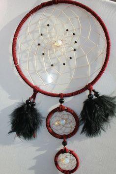 Opalith und Achate im weinroten Dreamcatcher von TRAUMnetz.com     ** DReamcatcher u.v.m.  ** auf DaWanda.com