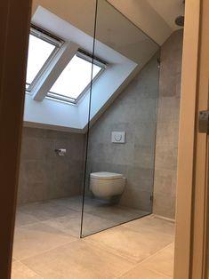 Douchewanden tot plafond - Lilly is Love Small Toilet Room, Bathroom Toilets, Bathroom Inspiration, Modern Bathroom, Future House, New Homes, Bathtub, Indoor, Shower