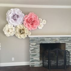 Paper roses by Ann Neville Design. Rose templates available at https://annneville.design