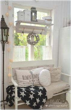 Elämää villa honkasalossa Lexington Style, Twinkle Twinkle Little Star, Shabby Vintage, Beach Cottages, Coups, Shabby Chic Decor, Country Living, Benches, Porch