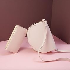 Sophie Hulme   Architect's Fashion Architect Fashion, Photography Bags, Fashion Photography, Designer Leather Handbags, Bicycle Bag, Sophie Hulme, Best Bags, Burberry Handbags, Leather Design