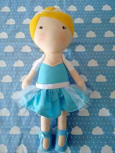 Bonecas Cinderela no estilo Serelepe com 40cm de altura  * feita em tecido 100% algodão  * detalhes em feltro  * fazemos outros modelos e cores