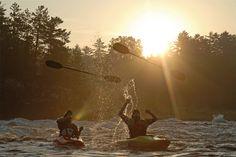 White Water Kayaks - Tips For Safe Kayaking - Kayak Sherpa Best Fishing Kayak, Fishing Tips, Bass Fishing, White Water Kayak, Kayaking Tips, Water Modeling, Kayak Paddle, Kayak Adventures, Whitewater Kayaking