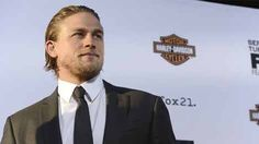 Actor Charlie Hunnam has backed out of the '50 Shades of Grey' movie