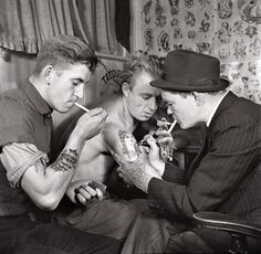 tattoo artist 1942 sexiest picture ever! wow