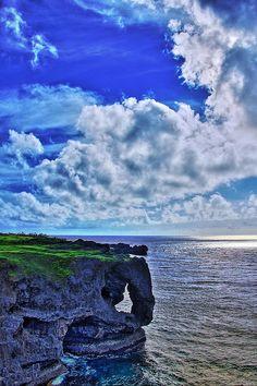 万座毛(沖縄) Manzamo, Okinawa, Japan Okinawa Japan, Japan Japan, Political Pictures, Japan Beach, Earth From Space, Island Beach, Japanese Culture, Japan Travel, Amazing Nature