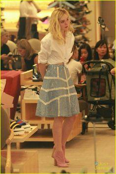 elle fanning shoe shopping joy workout other errands 09 Ellie Fanning, Dakota And Elle Fanning, Fanning Sisters, Elle Fashion, Hollywood Fashion, Spring Fashion, Elle Moda, Looks Style, My Style