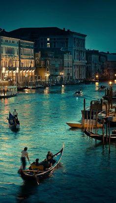 Gran Canal, Venecia, Italia.                                                                                                                                                      Más