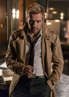 """imthenic: """"The John Constantine imo """" Constantine Tv Series, Matt Ryan Constantine, Constantine Hellblazer, Legends Of Tommorow, Dc Legends Of Tomorrow, Cosplay, Marvel Dc, Ray Palmer, Wardrobe Images"""
