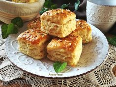 Kelt káposztás kocka French Toast, Muffin, Meals, Breakfast, Food, Morning Coffee, Meal, Eten, Cupcakes